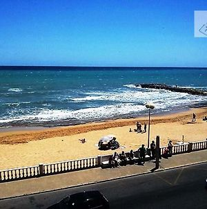 2 Bedrooms Beaches View Apartment photos Room