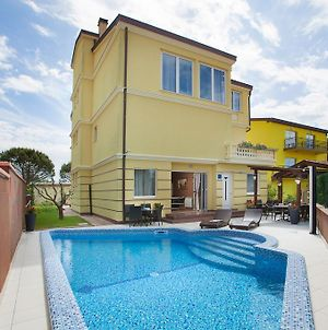 Holiday Home In Pula Istrien 31358 photos Room