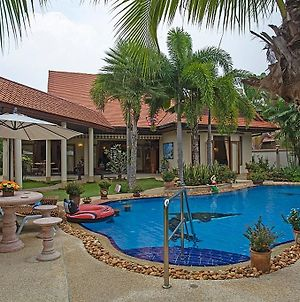 Relaxing Palms Pool Villa 4 Bed photos Exterior