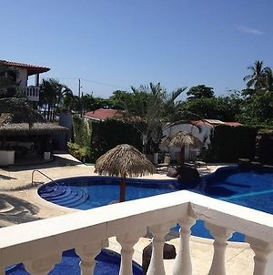 Paloma Blanca 2E Two Bedroom Condo With Pool View photos Room