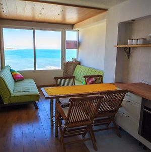 Apartment With Gorgeous Sea View photos Room
