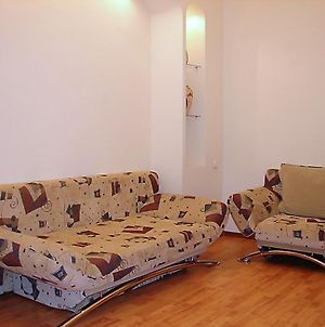 Modern Center Kiev Apartment photos Room