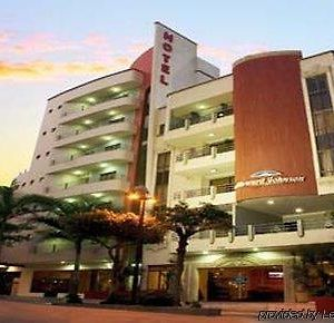 Howard Johnson Hotel Versalles Barranquilla photos Exterior