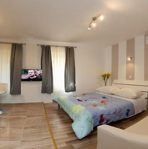 Central Luxury Rooms Izidor photos Room