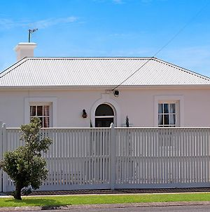Historic Central Cottage In Warrnambool photos Room