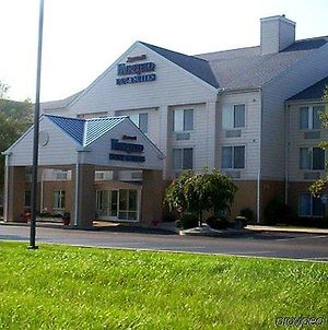 Fairfield Inn And Suites By Marriott Troy Ohio photos Exterior