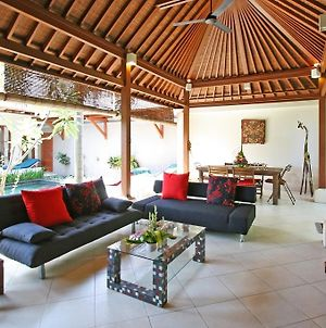 Coconut Villa Sanur photos Room