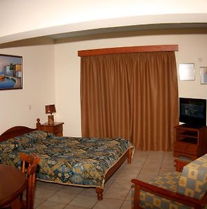 Palm Sea Beach Holiday Suites And Studios Apartments photos Room