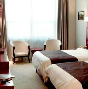 Starway Tianjin Rome Business Hotel photos Room