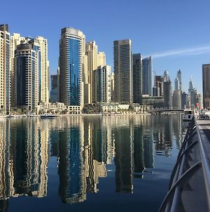 Waterfront One Bedroom Apartment Dubai Marina photos Room