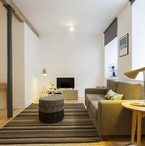 Altido Cosy 1-Bed Flat With Workspace In Santa Catarina, Moments From Luis De Camoes Sq photos Room