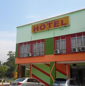 Bukit Beruntung Business Hotel photos Exterior