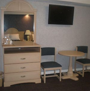 Red Carpet Inn And Suites photos Room