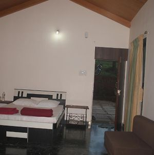 Exotic Home Stay - Panchgani photos Room