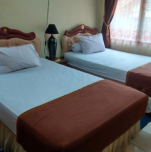 Cendana Homestay photos Room