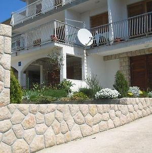 One-Bedroom Apartment In Crikvenica 7 photos Room