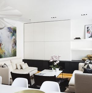 Sophisticated Boutique Apartment photos Room