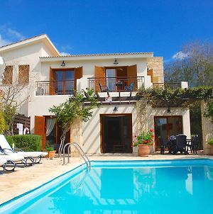 2 Bedroom Villa Loukia With Private Pool And Gardens Aphrodite Hills Resort photos Room