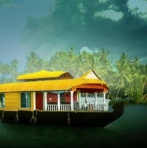 Sreekrishna Houseboat photos Room