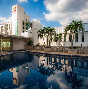 Golden City Rayong Hotel photos Exterior