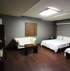 S Hotel Suwon photos Room