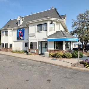 Motel 6 Milwaukee West - Brookfield photos Exterior