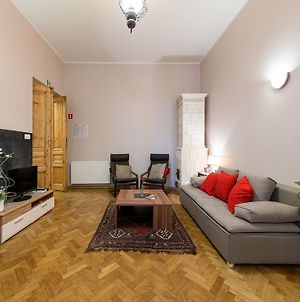 5 Bedroom Family Apartment photos Room