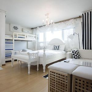 Han River Residence & Guesthouse photos Room