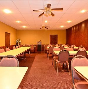 Americas Best Value Inn Iola photos Business