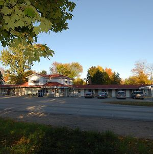 Kings Inn Orillia photos Exterior