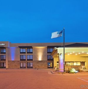 Holiday Inn Express Hotel & Suites Colby photos Exterior