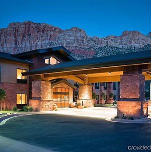 Hampton Inn & Suites Springdale/Zion National Park photos Exterior
