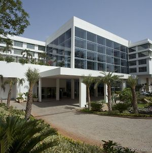 Radisson Blu Plaza Hotel Hyderabad Banjara Hills photos Exterior