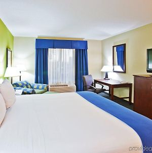 Holiday Inn Express Hotel & Suites Ooltewah Springs - Chattanooga, An Ihg Hotel photos Room