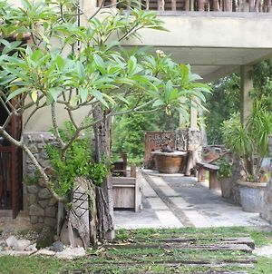 Sepat Village House By The Beach photos Exterior