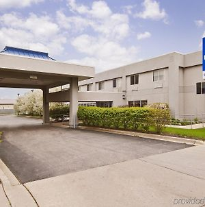 Americas Best Value Inn Waukegan photos Exterior