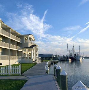 Hampton Inn & Suites Chincoteague-Waterfront, Va photos Exterior