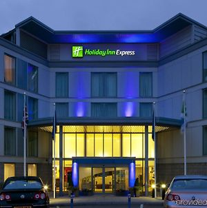 Holiday Inn Express London Stansted Airport photos Exterior
