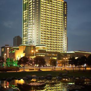 Songjiang New Century Grand Hotel Shanghai photos Exterior