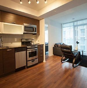 Elite Suites Queen West Offered By Short Term Stays photos Room