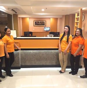 Stone House Hotel Pasay photos Exterior