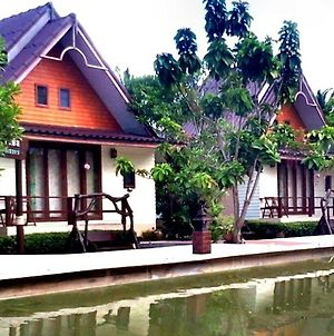 Baan Thai Damnoen Canal House photos Exterior