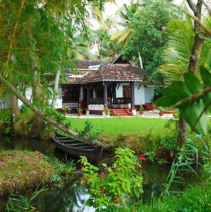 Vembanad House Boutique Back Water Homestay photos Exterior