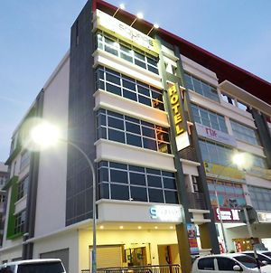 9 Square Hotel - Bangi photos Exterior