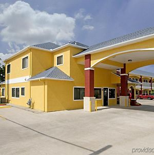 Americas Best Value Inn Baytown photos Exterior