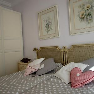Lets Holidays Centric Apartment In Barcelona photos Room
