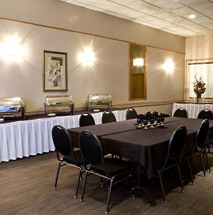 Heritage Inn & Convention Centre - Moose Jaw photos Restaurant