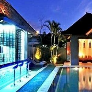 Samudra Raya Luxury Villa photos Exterior