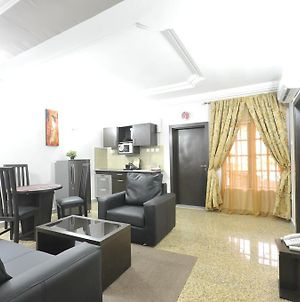 Sheer Luxury Apartments And Suites photos Room