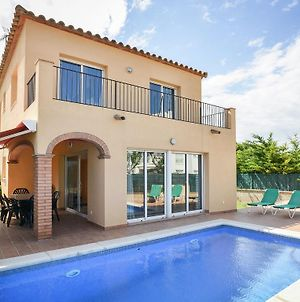Spacious Holiday Home In St Pere Pescador With Swimming Pool photos Exterior